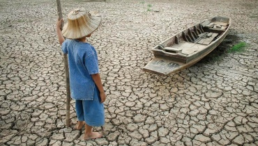 Child on dry seabed
